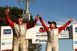 Simon Evans et Sue Evans remportent la victoire au classement général pour la deuxième manche du championnat Asia-Pacific