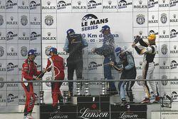 Podium LMGT2 podium: les vainqueurs Marc Lieb, Richard Lietz, Horst Felbermayr Sr (exclus par la sui