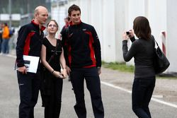 Une fan féminine à fond pour Alexandre Prémat, Audi Sport Team Phoenix Audi A4 DTM reçoit son image