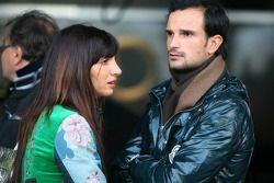 Vitantonio Liuzzi, pilote d'essais Force India et sa petite amie Francesca Caldarell rendent visite au DTM
