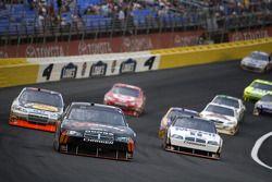 Sam Hornish Jr., Penske Racing Dodge and David Stremme, Penske Racing Dodge lead the field