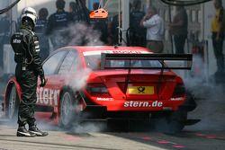 Mathias Lauda, Mücke Motorsport, AMG Mercedes C-Klasse, laissent un peu de gomme dans la pitlane