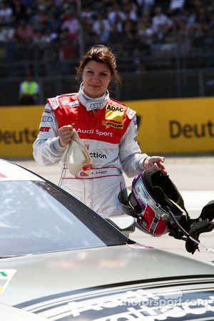Katherine Legge, Audi Sport Team Abt Audi A4 DTM sur la grille de départ