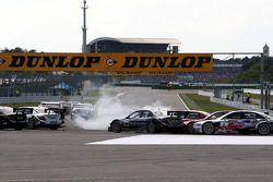 Александр Према, Audi Sport Team Phoenix, Audi A4 DTM сорвался в занос на первом круге
