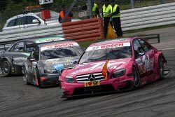 Susie Stoddart, Persson Motorsport, AMG Mercedes C-Klasse avec des morceaux de carosserie de Gary Pa