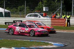 Susie Stoddart, Persson Motorsport, AMG Mercedes C-Klasse dépasse Mathias Lauda, Mücke Motorsport, AMG Mercedes C-Klasse