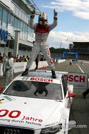 Le vainqueur de la course, Tom Kristensen, Audi Sport Team Abt