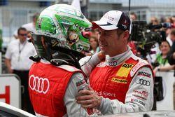 Timo Scheider, Audi Sport Team Abt Audi A4 DTM félicitant Tom Kristensen, Audi Sport Team Abt Audi A