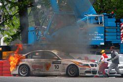 Sergio Hernandez, BMW Team Italy-Spain, BMW 320si on fire