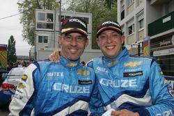 Race winner Alain Menu, Chevrolet, Chevrolet Cruze and 3rd, Robert Huff, Chevrolet, Chevrolet Cruze