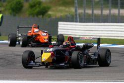 Brendon Hartley, Carlin Motorsport, Dallara F308 Volkswagen, leads Andrea Caldarelli, SG Formula, Da