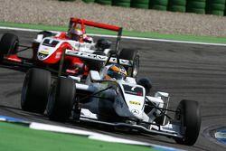 Christian Vietoris, Mücke Motorsport, Dallara F308 Mercedes, devance Jules Bianchi, ART Grand Prix, Dallara F308 Mercedes