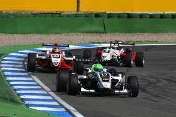 Kevin Mirocha, HBR Motorsport, Dallara F308 Mercedes, devance Esteban Gutierrez, ART Grand Prix, Dallara F308 Mercedes, Basil Shaaban, Prema Powerteam, Dallara F308 Mercedes