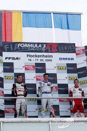Podium: 1er, Jean-Karl Vernay, Signature, Dallara F308 Volkswagen; 2nd Christian Vietoris, Mücke Motorsport, Dallara F308 Mercedes; 3eme, Jules Bianchi, ART Grand Prix, Dallara F308 Mercedes