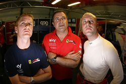 Tim Mullen, Chris Niarchos et Rob Bell