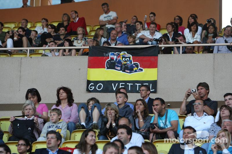 Star Team vs Nazionale Piloti, Charity Football Match, Monaco, Stade Louis II: Sebastian Vettel, Red