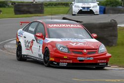 Fabrizio Giovanardi leads Tom Chilton