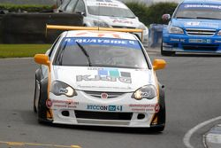 Paul O'Neill leads Mat Jackson and Tom Chilton