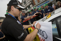 Jan Ullrich signs autographs