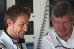Дженсон Баттон, Brawn GP, и Росс Браун, руководитель Brawn Grand Prix