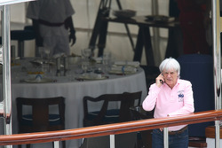 Bernie Ecclestone, FOTA meeting, boat, Flavio Briatore, Renault F1 Team, Takım Şefi, Direktörü