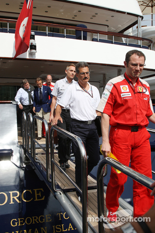 Stefano Domenicali, Scuderia Ferrari, Direktör, Dr. Mario Theissen, BMW Sauber F1 Team, BMW Motorspo