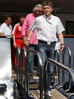 Nick Fry, BrawnGP, Şef Sorumlusu, Flavio Briatore, Renault F1 Team, Takım Şefi, Direktörü leave FOTA