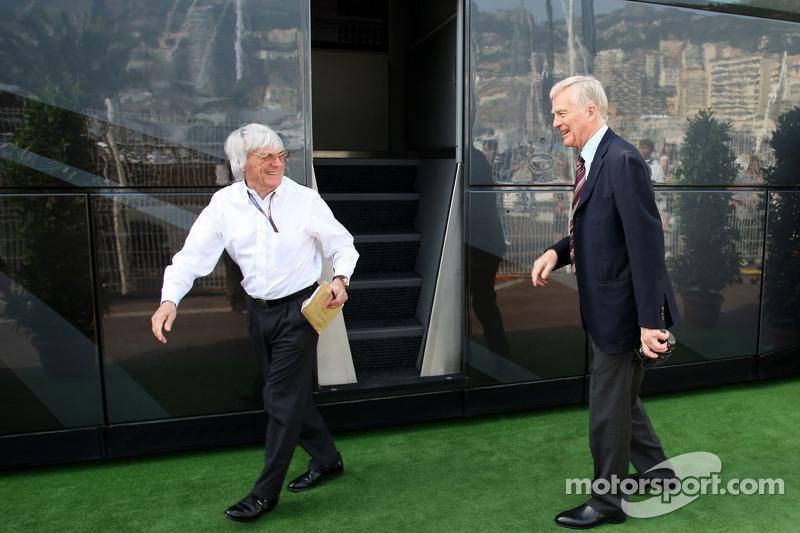 Bernie Ecclestone et le Président de la FIA, Max Mosley