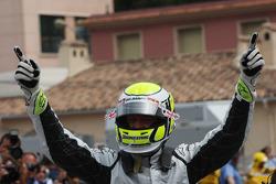 Jenson Button, Brawn GP gets pole position