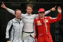 Jenson Button, Brawn GPgets pole position, Rubens Barrichello, Brawn GP 2nd and Kimi Raikkonen, Scuderia Ferrari 3rd