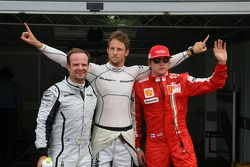 Ganador de la Pole Position Jenson Button, Brawn GP, Rubens Barrichello, Brawn GP segundo y Kimi Rai