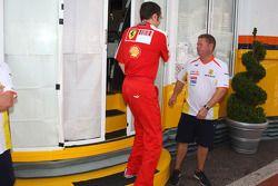 Max Mosley, Presidente de la FIA Stefano Domenicali, Scuderia Ferrari, Director deportivo en el moto
