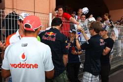 Льюис Хэмилтон, McLaren Mercedes, Адриан Сутиль, Force India F1 Team и Себастьян Феттель, Red Bull R