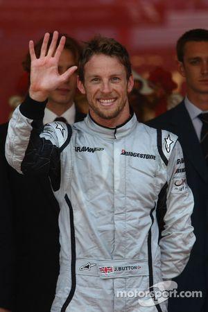 5 victorias para el 1er lugar de Jenson Button, Brawn GP