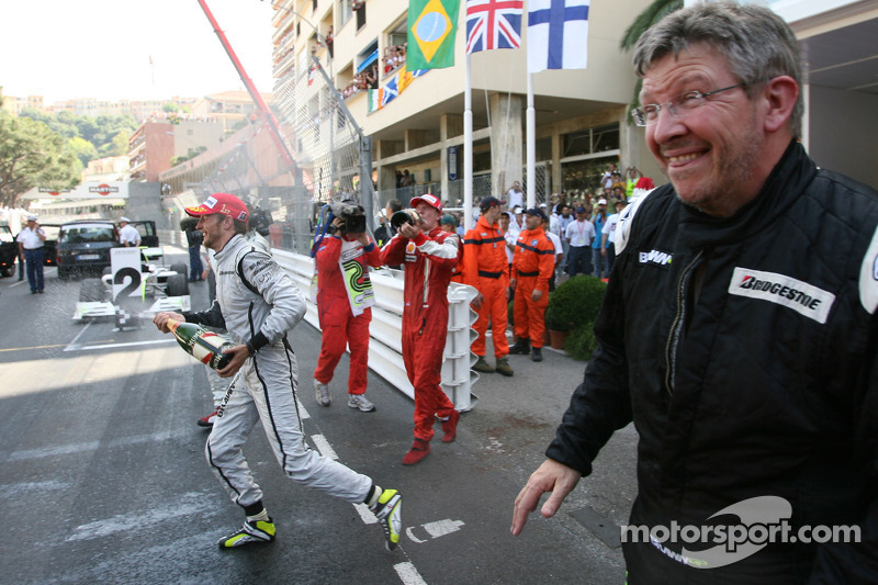 Jenson Button, Brawn GP y Ross Brawn Team Principal, Brawn GP