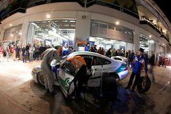 Arrêt au stand pour #184 MS Racing GbR Porsche 996: Harald Böttner, Hans Stukenbrock, Marco Poltera