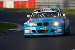 #142 BMW Team Hungary powered by Efficient Dynamics BMW 120d: Laszlo Palik, Janos Vida, Csaba Walter, Gabor Weber