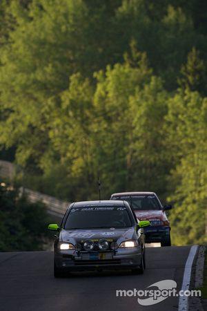 #158 Opel Astra OPC: Michael Auert, Joachim Steidel, Mike Juul, Thomas Lennackers
