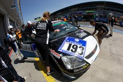 Arrêt pour la #193 Honda Civic Type-R: Mark Corbett, Brent Greer, Rod Hicks, Dean Cockerton