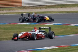 Start: Valtteri Bottas, ART Grand Prix Dallara F308 Mercedes leads the field