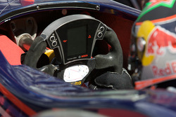 Steering wheel of Brendon Hartley, Carlin Motorsport Dallara F308 Volkswagen