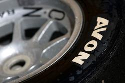 Les détails du pneu Avon