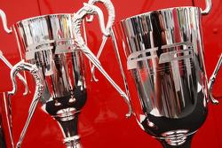 Les trophées de la première manche du championnat de F2