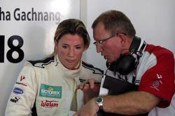 Natacha Gachnang talks with an engineer