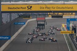 Départ: Christian Vietoris, Mücke Motorsport Dallara F308 Mercedes mène la danse