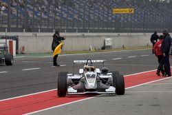 Le vainqueur Christian Vietoris, Mücke Motorsport Dallara F308 Mercedes arrive au parc fermé