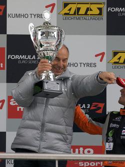 Podium: Mücke Motorsport remporte le trophée constructeurs