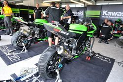 #23 Kawasaki World Superbike Racing Team Kawasaki ZX 10R