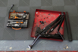 Bent suspension and tools