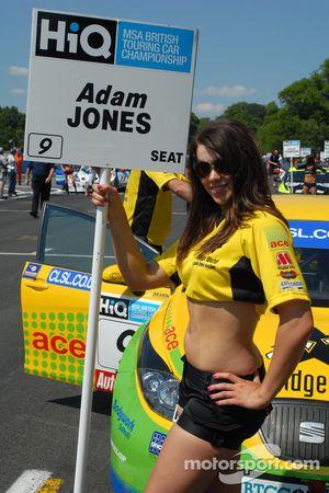 Sophie Fisher - pitgirl d'Adam Jones